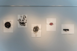 Dessins-pochoirs. Encre de Chine et crayon sur papier. 2017. Carrefour culturel Paul-Médéric, Baie-Saint-Paul, QC. Photo: Louis Laliberté